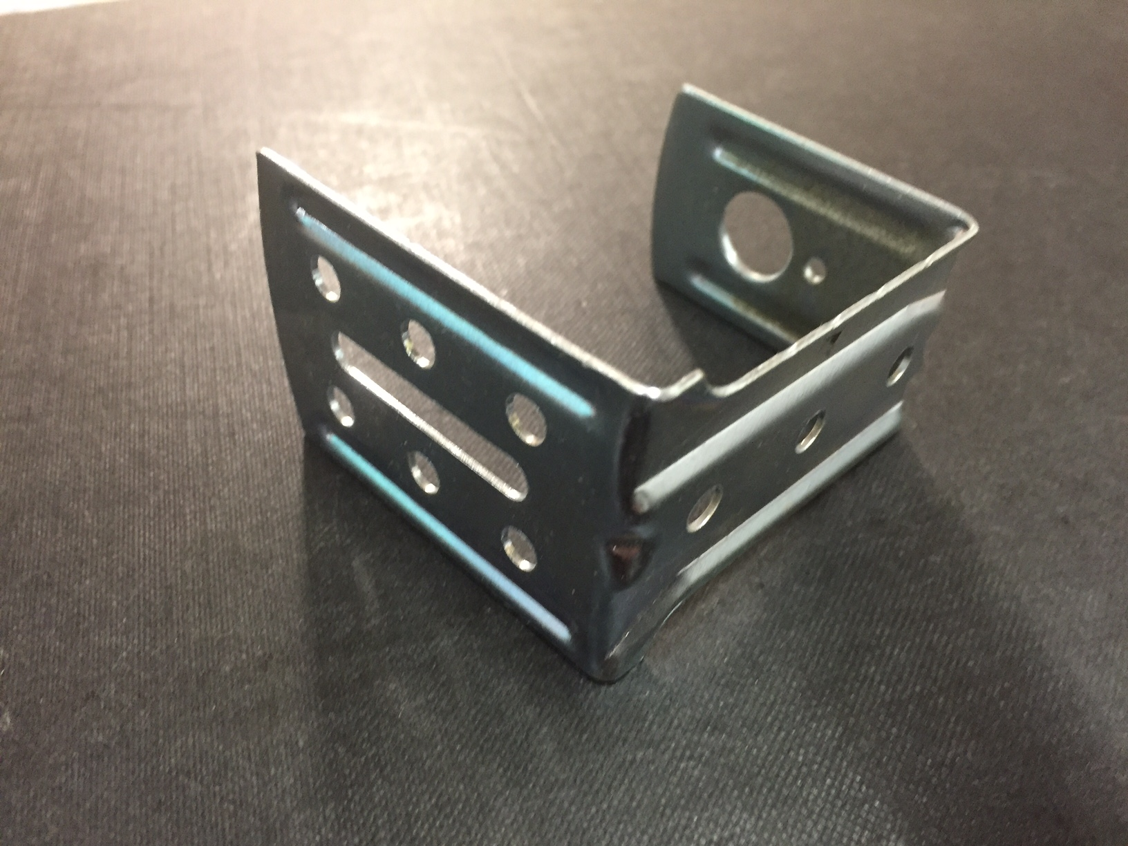 Centre Support Brackets Qty1